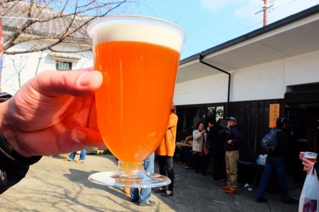 昼間から飲むビール